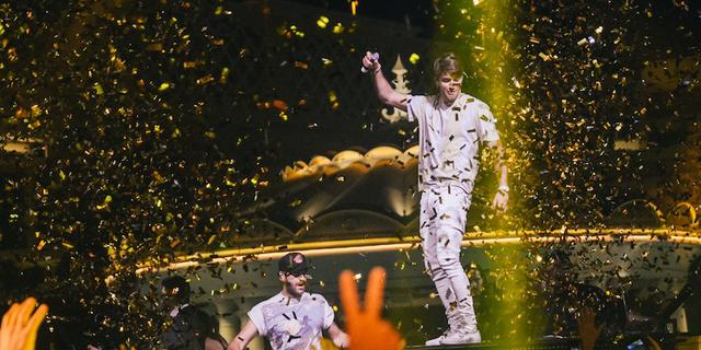 RING IN 2018 WITH THE CHAINSMOKERS AT XS NIGHTCLUB