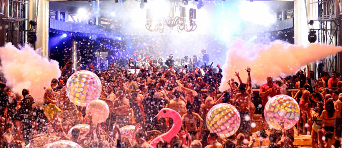 Wynn Nightlife Pool Parties Dive Into 2016